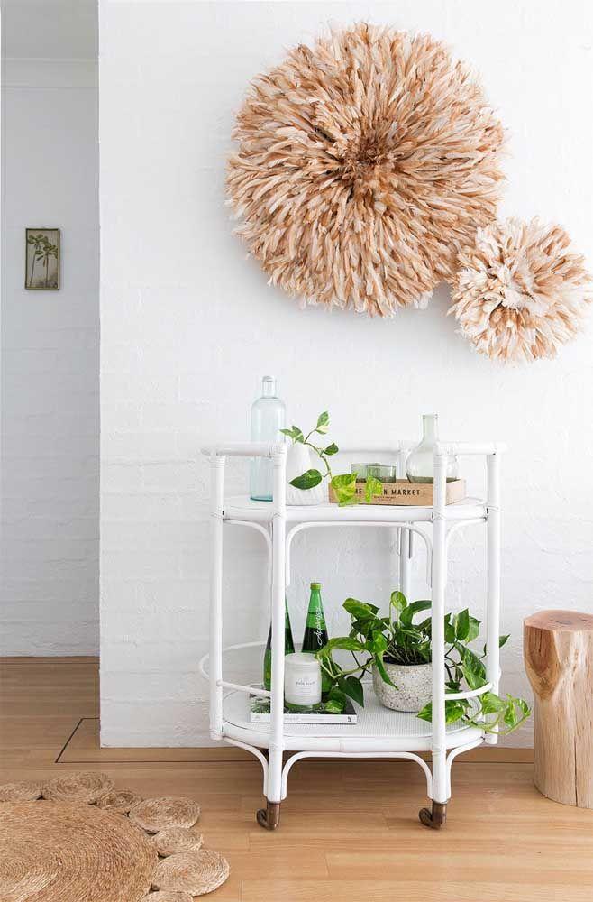 A jiboia no alto é um charme, mas locais baixos, próximos ao chão, também se mostram perfeitos para a planta
