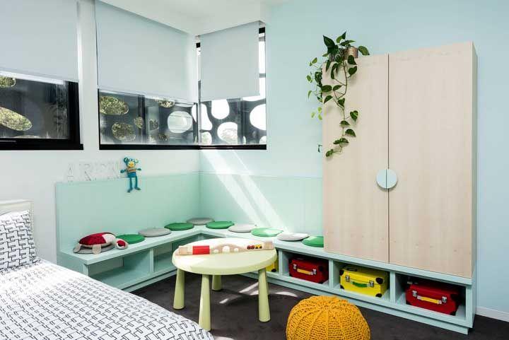 Até no quarto das crianças a jiboia é bem vinda; cuidado apenas para mantê-la em um local alto, já que a planta é tóxica