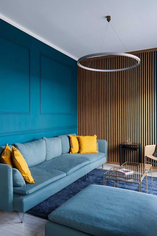 E por falar em extensão, esse puff azul saiu da mesma forma que o sofá