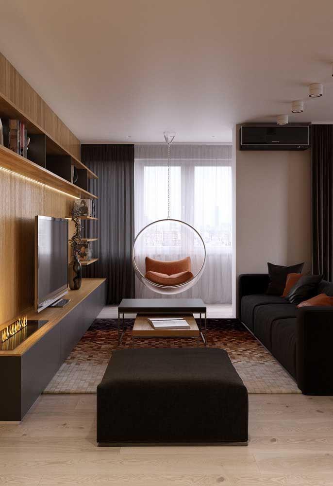 Ou quem sabe um pretinho básico para combinar com o sofá?