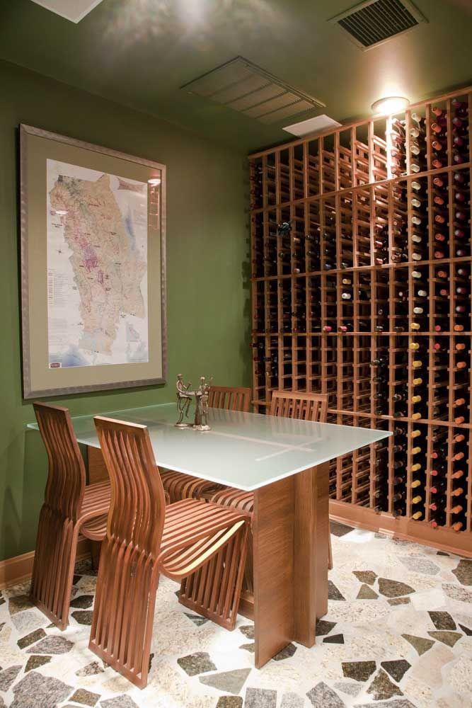 Aqui, e só chegar e escolher o vinho do dia; opções não faltam