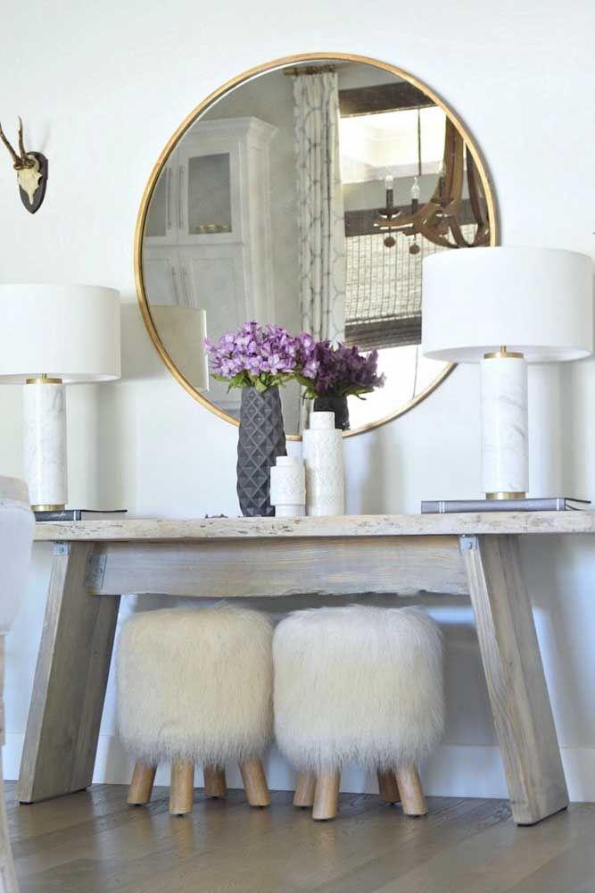 Ou quem sabe ainda você pode abrilhantar o seu closet com um arranjo elegante de azaleias