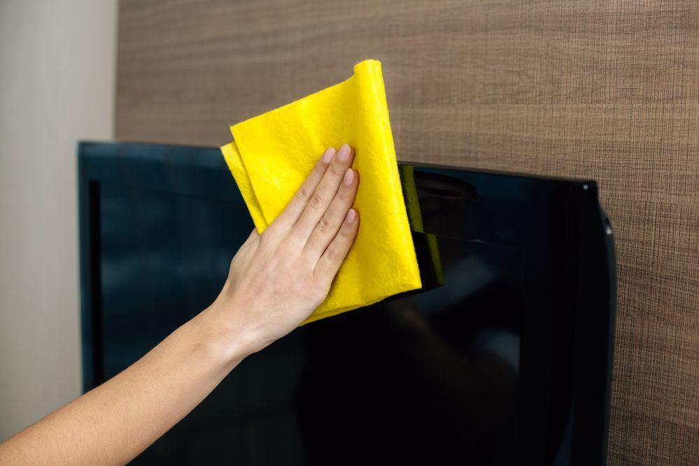 Como limpar tela de TV: veja passo a passo e dicas essenciais