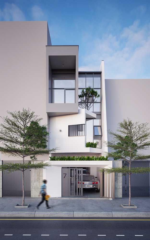 Assim como as casas modernas, as contemporâneas contemplam grandes vãos, formas que desafiam o olhar e muita luz natural para o interior