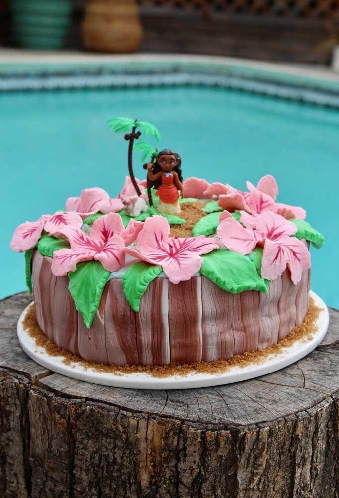 Um bolo simples pode se transformar em algo incrível usando a criatividade