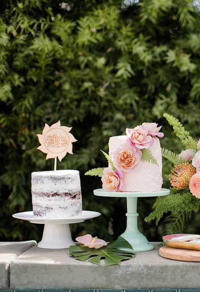Se você deseja algo mais sofisticado pode apostar em um naked cake com cobertura externa