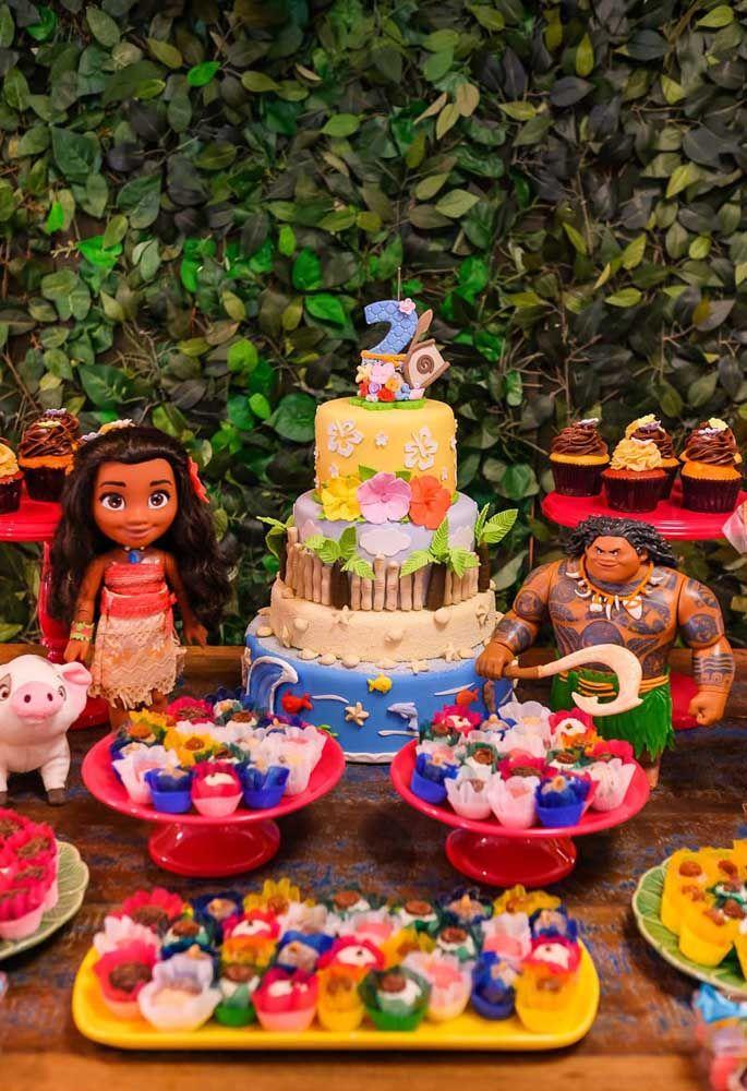 Alguns bolos de aniversário são verdadeiras esculturas produzidas por profissionais especializados