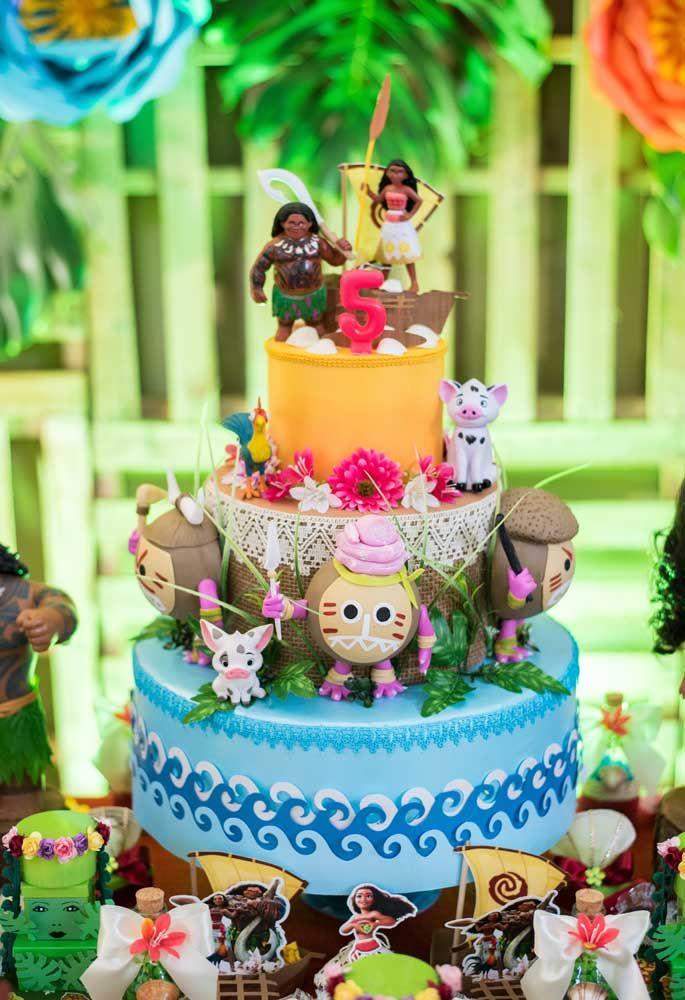 No bolo com vários andares você consegue criar diversos cenários do filme. O resultado é realmente incrível