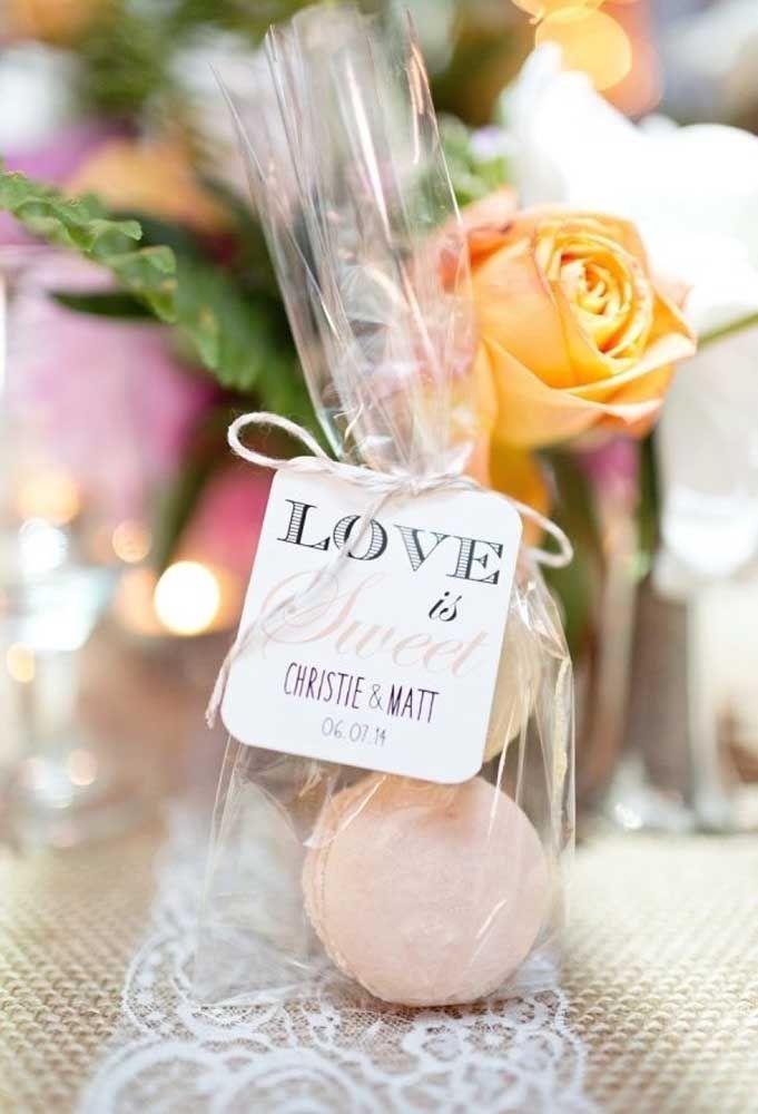 O amor em formato de doces para deixar a vida dos convidados muito mais suave.