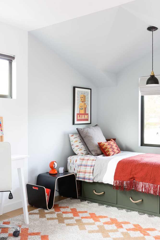 Para isso, combine as cores do tapete com a proposta da decoração do quarto