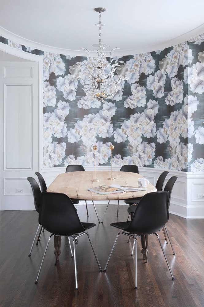 Como fazer uma decoração preta e branca usando estampa floral: essa imagem mostra como