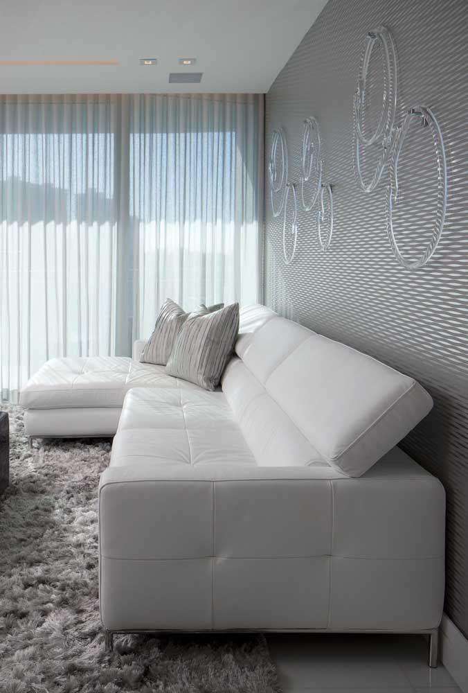 Quer melhor que isso? Sofá branco reclinável! É conforto demais