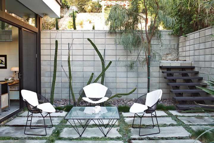 Use o concregrama sem medo na área externa; o piso é funcional e muito decorativo