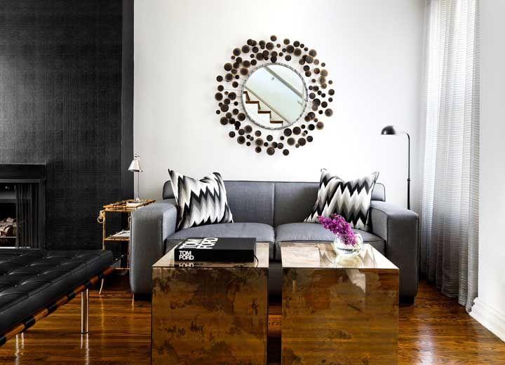 Uma moldura cheia de estilo para combinar com a decoração marcante da sala