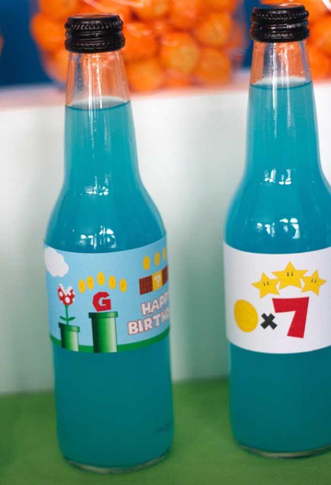 Até as garrafas de bebida devem seguir o padrão das cores.