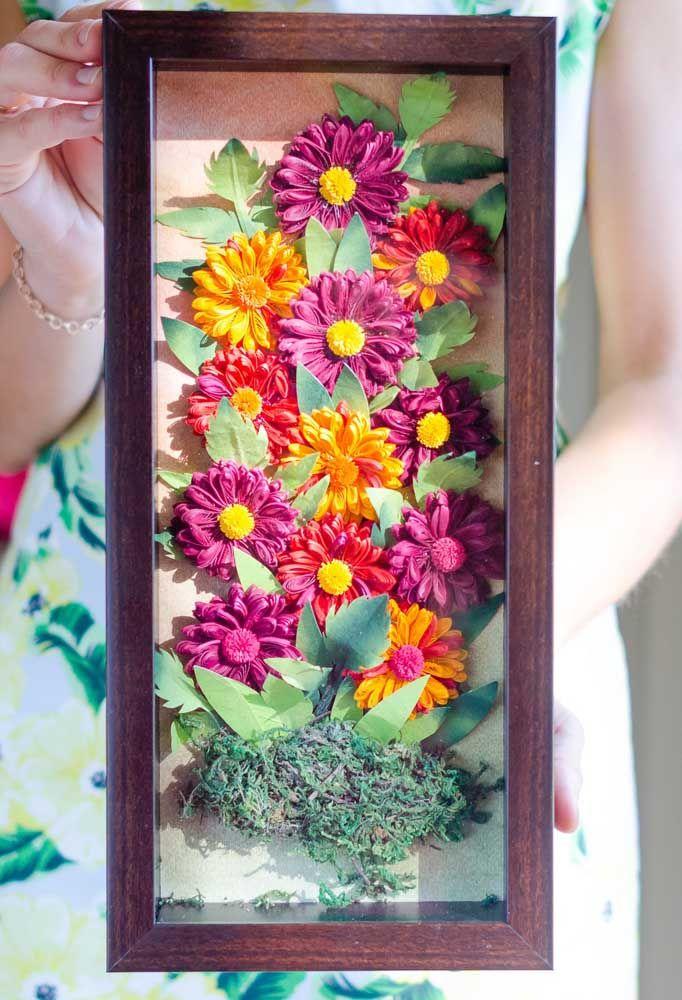 Decore aquele cantinho especial da sua casa com um quadro feito de flores quilling