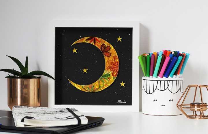 Quadro de lua e estrelas para decorar o escritório