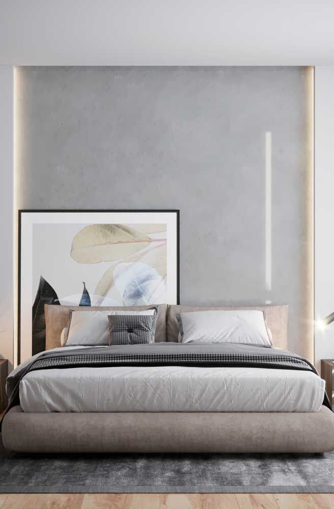 Escondidinho atrás da cabeceira: uma outra forma inusitada de usar quadros na decoração do quarto