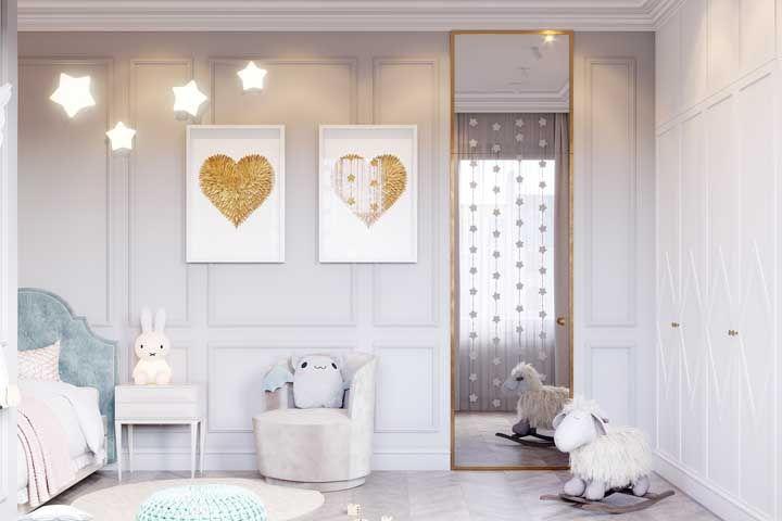 Corações dourados para o quarto do bebê