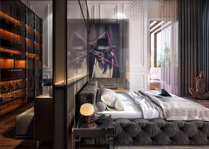 O quarto que mescla estilos com muita propriedade escolheu a dedo o quadro da parede lateral