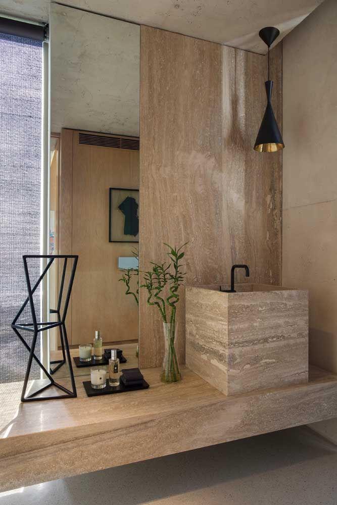 Decorações modernas e elegantes recebem muito bem o bambu da sorte, especialmente se ele estiver na água