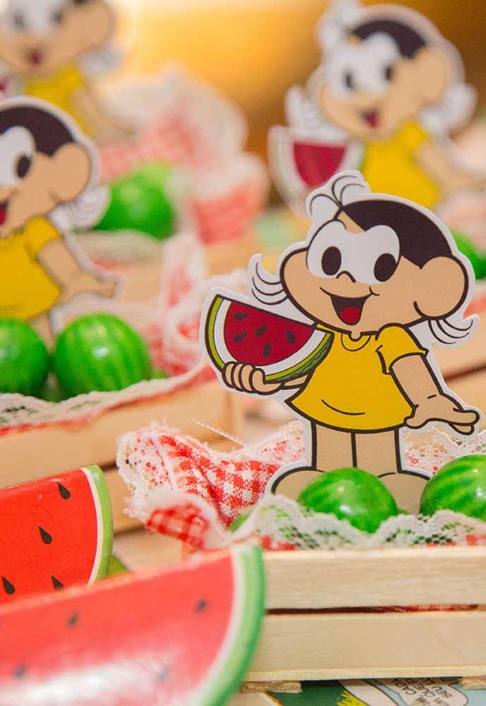A Magali pode ser a personagem de inspiração na decoração da mesa dos comes e bebes.