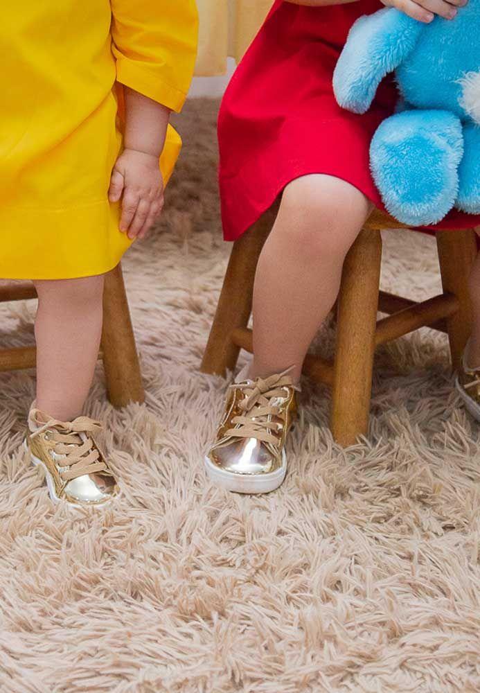 Se a intenção é fazer com que todas as crianças estejam vestidas à caráter, deixe um aviso no convite.