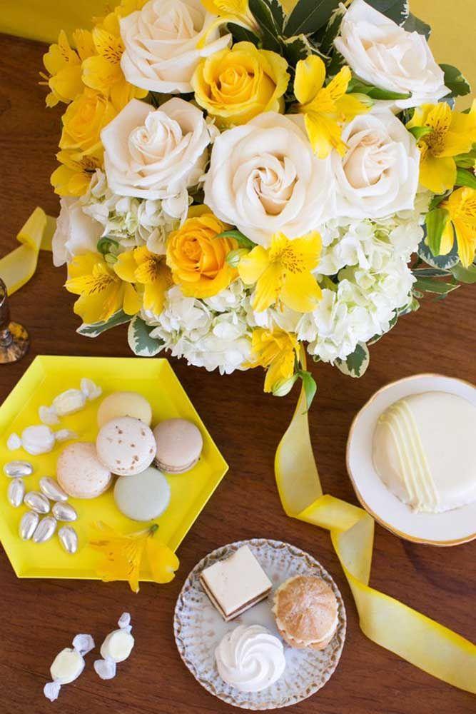 Chá da tarde decorado em amarelo e branco