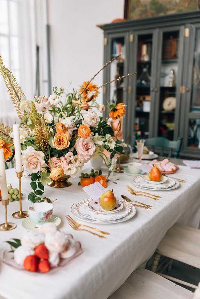 As frutas também tem lugar garantido na mesa do chá da tarde, especialmente no verão