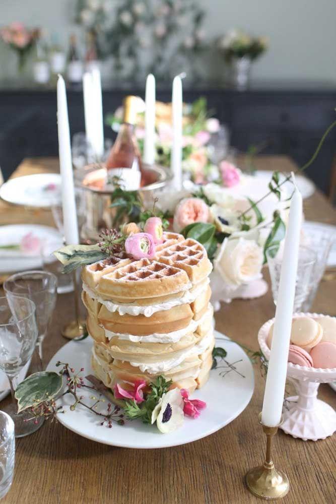 Torre de waffles para deixar seus convidados boquiabertos