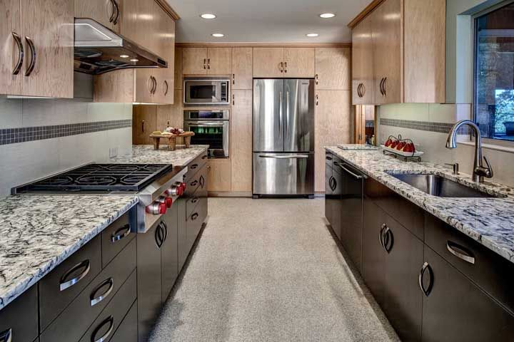Uma bancada de granito para ser o destaque da cozinha
