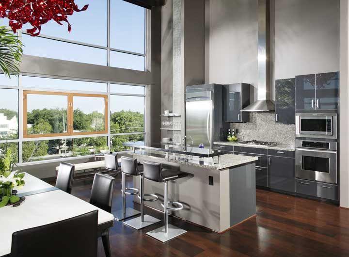Essa cozinha vai acabar com seu preconceito em relação ao granito cinza