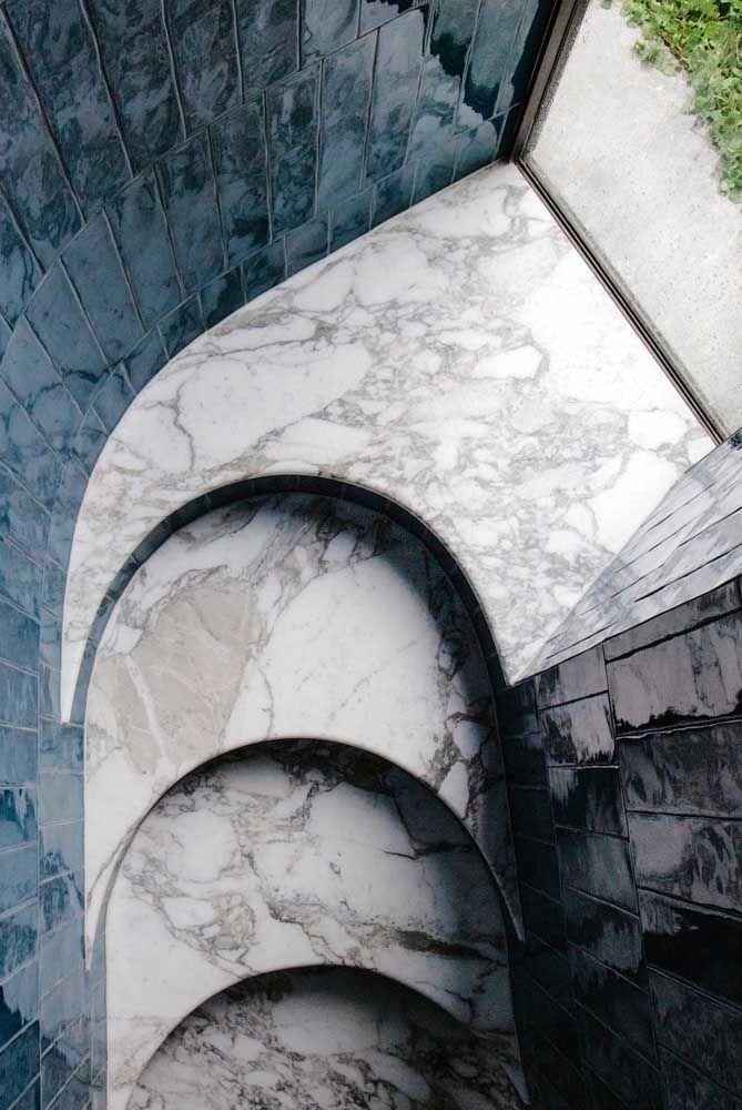 Mármore branco: um luxo para a escada