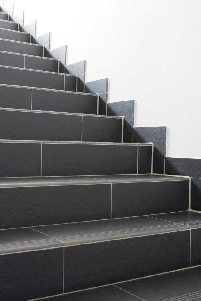 Se a intenção for destacar o rejunte, escolha um de cor diferente do piso