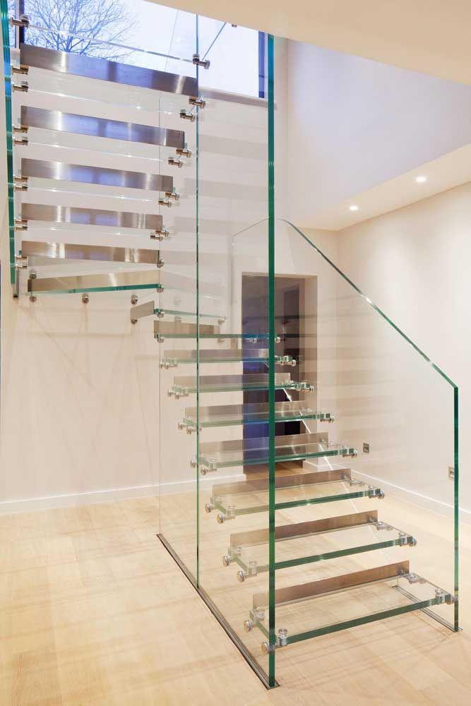 Lembre-se: a limpeza desse tipo de escada deve ser frequente para garantir a beleza