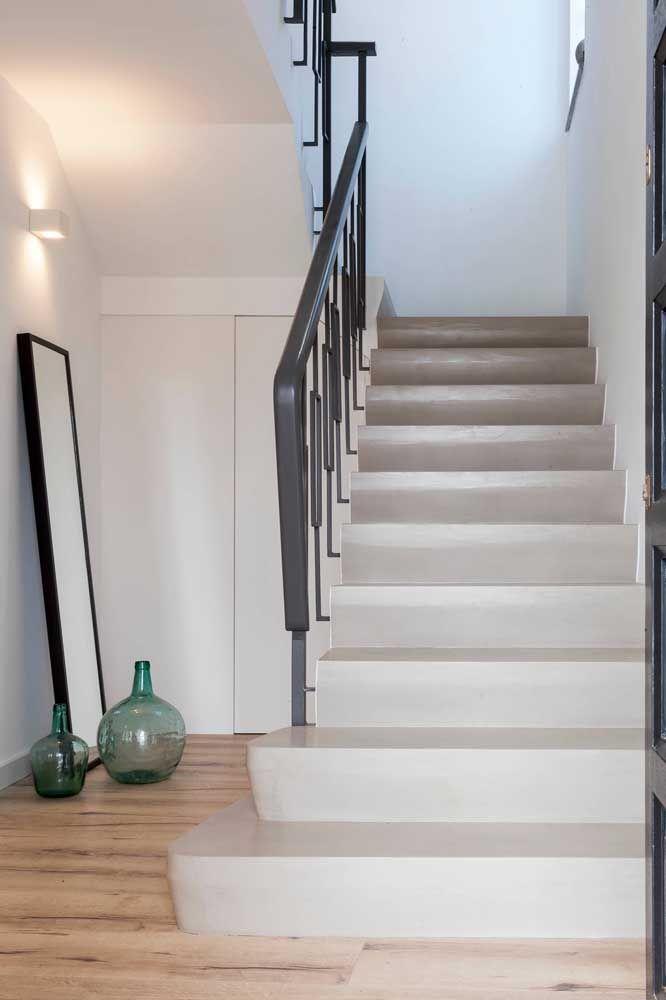 Uma opção de escada moderna, mas com um pé no clássico