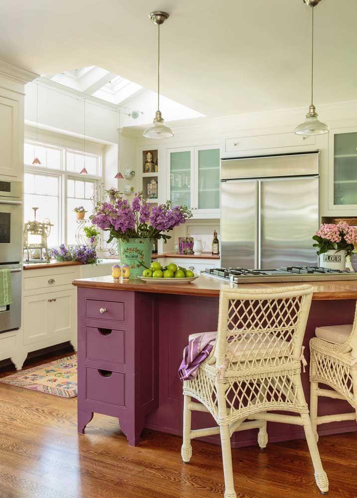 Com ares provençais, essa cozinha Shabby Chic é de transbordar o coração