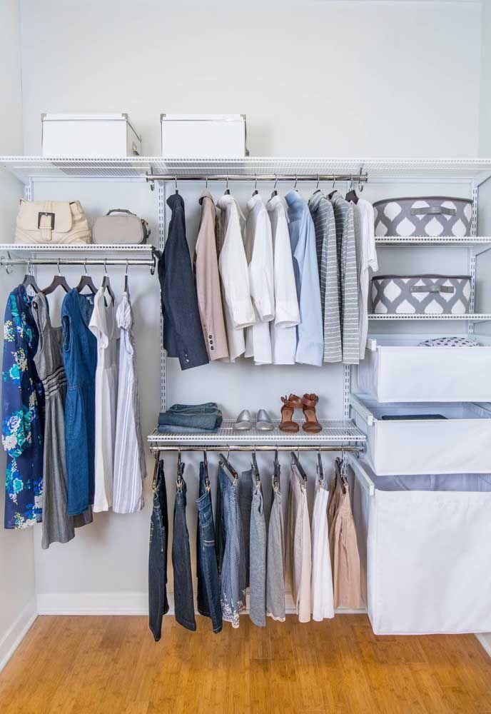 Personalize a altura das prateleiras e araras de acordo com a altura das suas peças de roupas