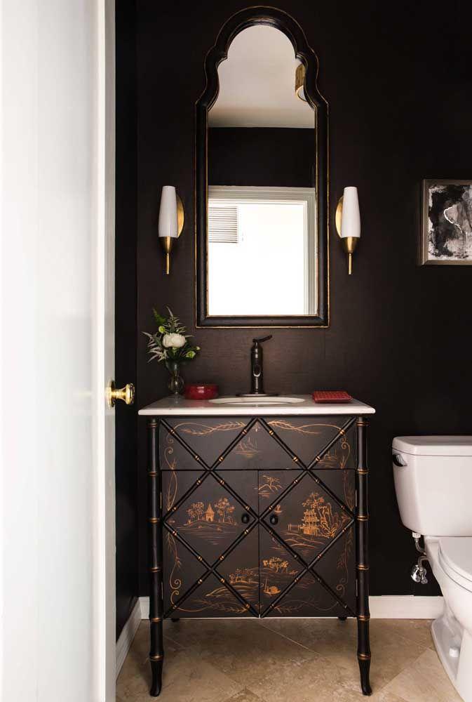 Móvel rústico e elegante em preto e dourado para você se inspirar