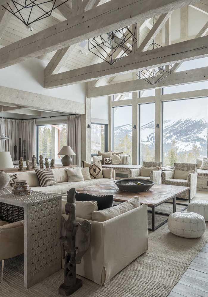 E para quem não acredita que é possível montar uma sala pra lá de elegante e sofisticada com móveis rústicos, olha só a imagem abaixo