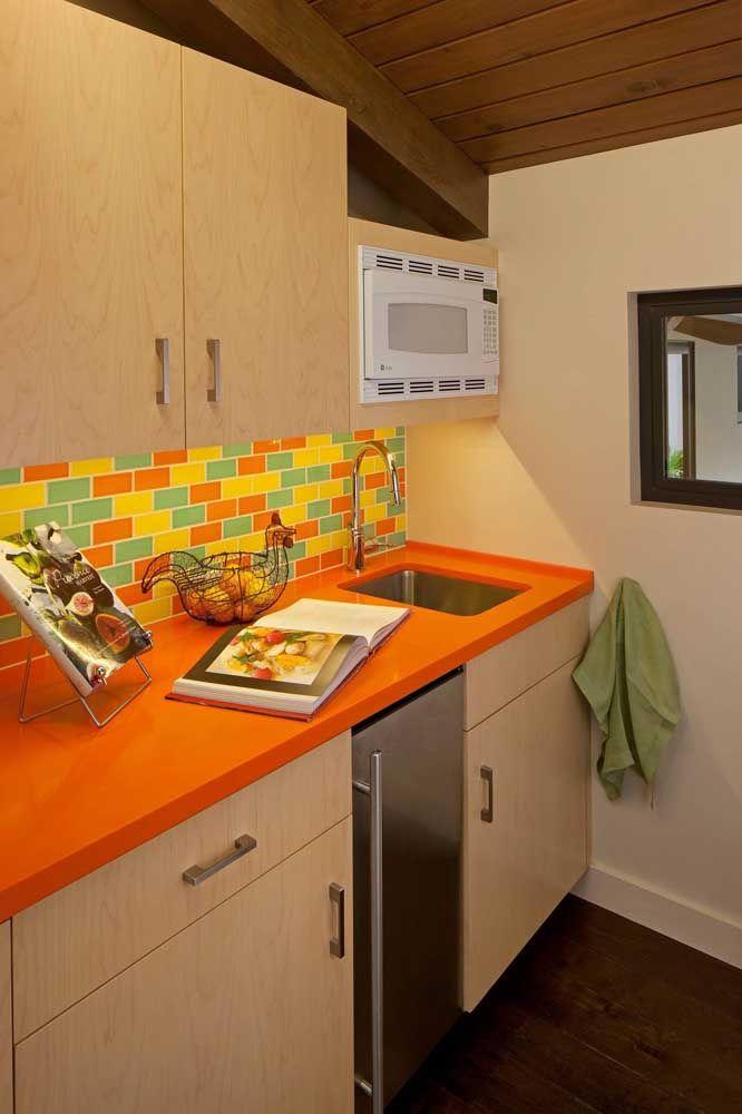 Cozinhas pequenas também combinam com Corian, olha só