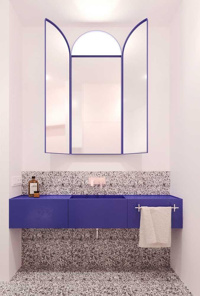Azul! A vantagem do Corian em relação ao mármore ou granito é a variedade de cores, indisponíveis nas pedras naturais