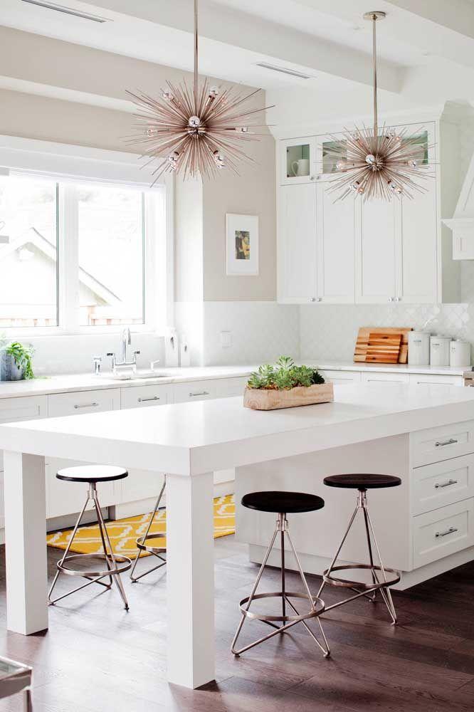 Feixes de luz na cozinha