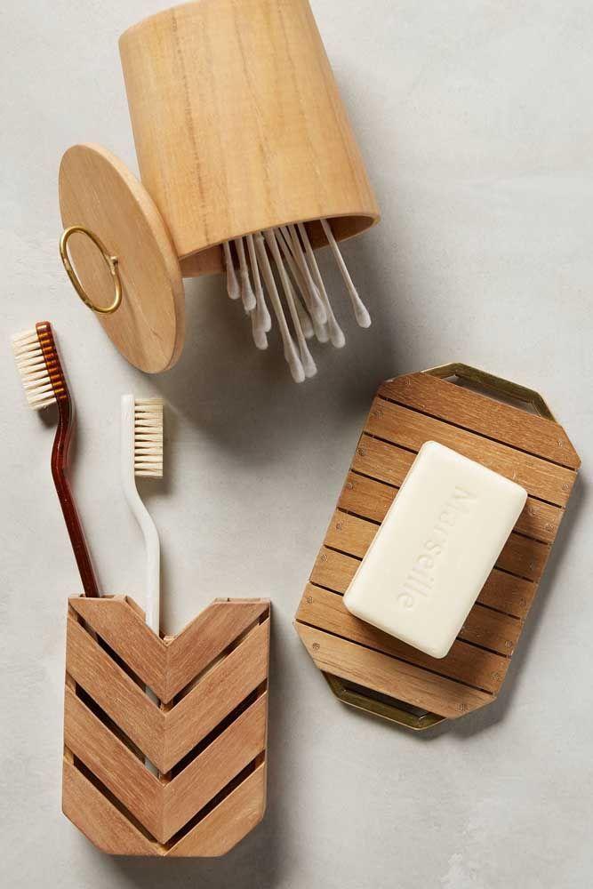 Kit higiene de madeira: rusticidade e conforto visual é com ele mesmo