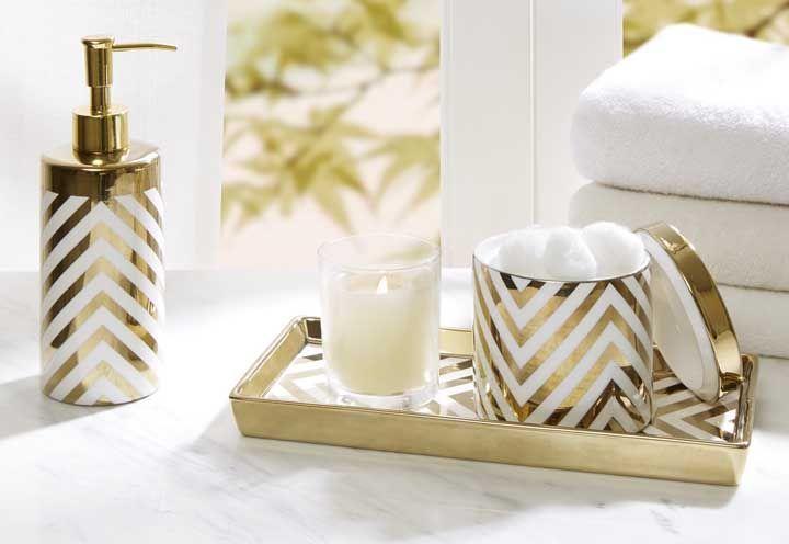 O branco em harmonia com o dourado é a combinação perfeita para quem deseja delicadeza e elegância