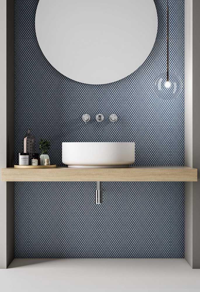 Aqui vemos uma proposta de kit higiene moderna, inovadora, mas ao mesmo tempo simples, adequando-se ao estilo do banheiro