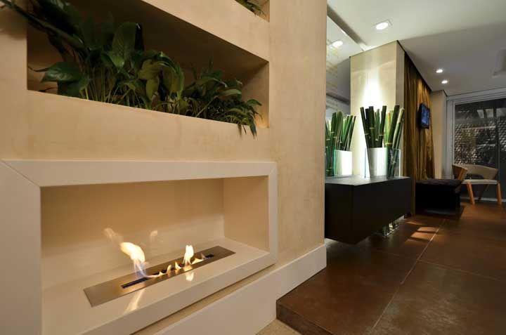 Vale até colocar a lareira ecológica no corredor da casa