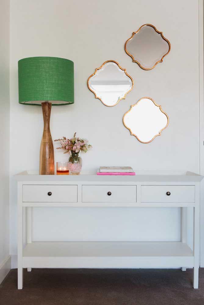 Espelhos e luminárias entram na lista dos objetos decorativos e funcionais