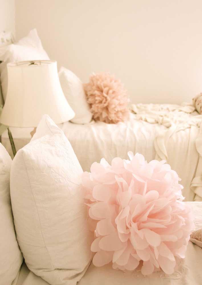 A delicadeza e o romantismo das almofadas de flores gigantes