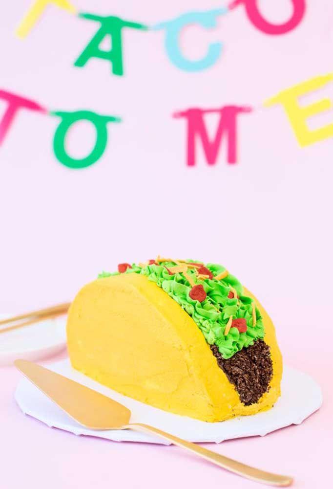Esse bolo em formato de taco é uma inspiração pra lá criativa